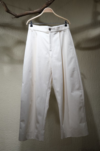 스튜디오 니콜슨 STUDIO NICHOLSON - Sorte Volume Pants - Cream