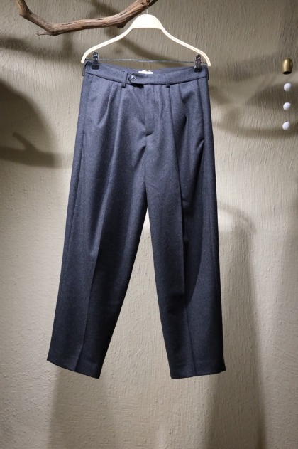 로운 Lownn - Oro Pleated Wide Two Tuck Trousers - Dark Grey / Flannel wool