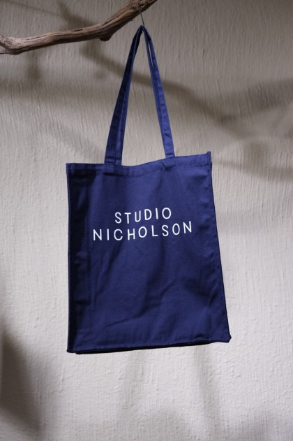 스튜디오 니콜슨 에코백 STUDIO NICHOLSON - The Small Tote - Dark Navy