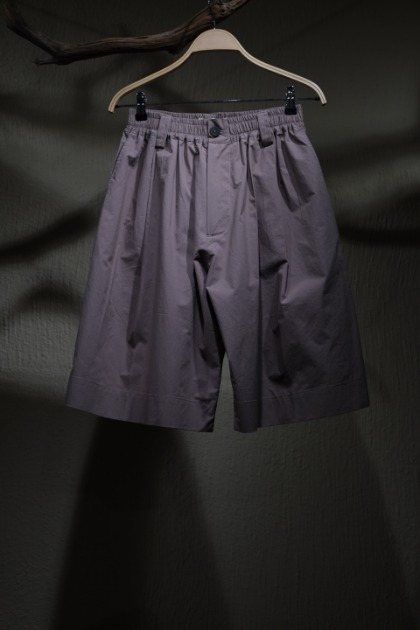 스튜디오 니콜슨 STUDIO NICHOLSON - ROMI Banding Wide Shorts - Clay